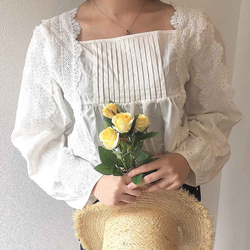 square flower blouse
